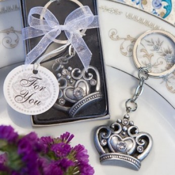 Unique Wedding Gift Experiences : Royal Favor Collection Crown Design Key Ring favors